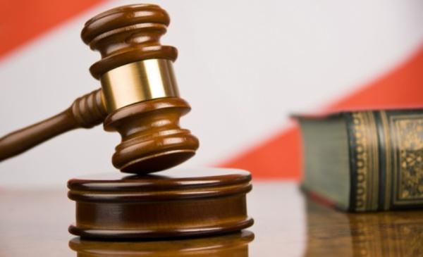 Тюменке угрожает 5 лет тюрьмы зато, что она покусала полицейского