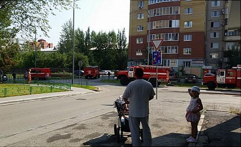 Впроцессе пожара втюменской многоэтажке умер ребенок