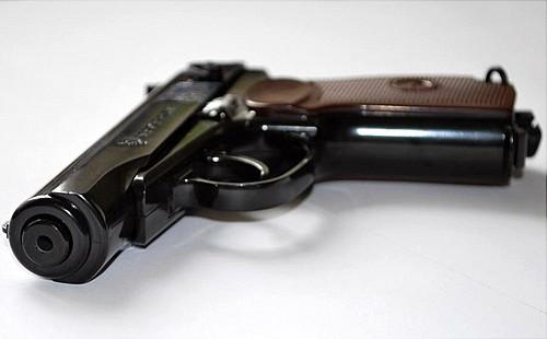 ВТюмени полицейский посеял пистолет 04октября в19:15