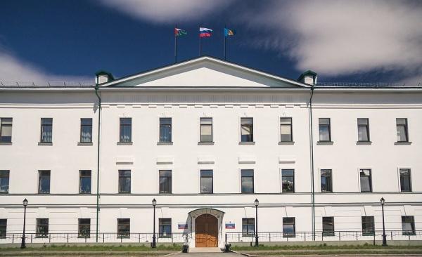 """Администрацию Тобольска покинули два """"долгожителя"""""""