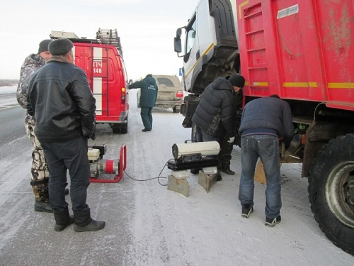 Работники МЧС завыходные спасли отмороза 11 водителей