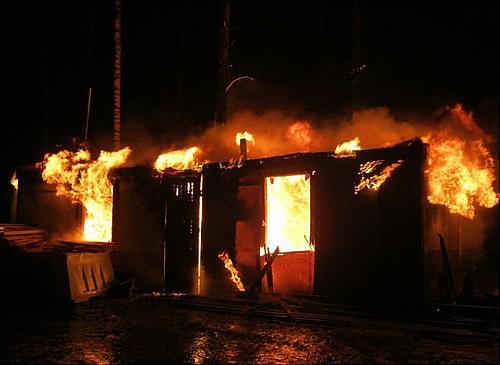 Семь человек погибли впожаре вЮргинском районе