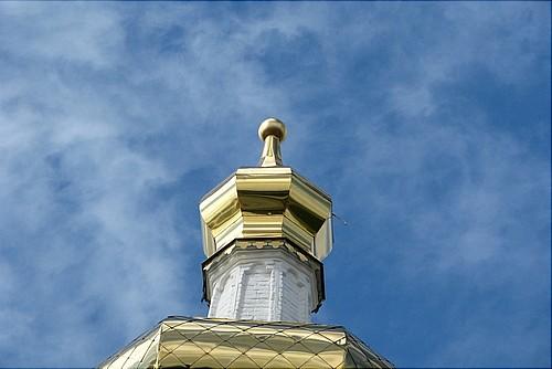 Упавший с купола Знаменского монастыря крест восстановят специалисты 2