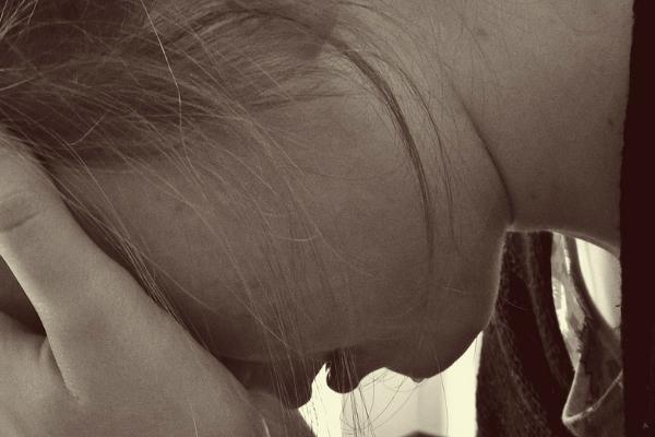 ВТюменской области двое мужчин надне рождения изнасиловали знакомую девушку